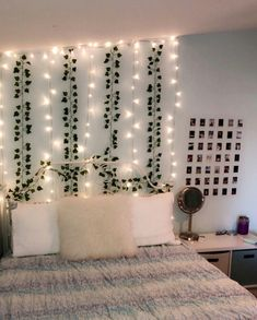 Read more about 8 Cheap Things to Maximize a Small Bedroom. Neon Bedroom, Cute Bedroom Decor, Bedroom Decor For Teen Girls, Room Design Bedroom, Girl Bedroom Designs, Teen Room Decor, Stylish Bedroom, Room Ideas Bedroom, Bedroom Inspo