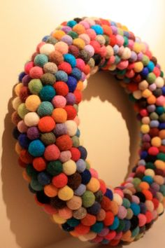 Colorful diy simple wreath would be great for my classroom door!