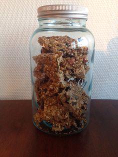 Granola bars Granola Bars, Mason Jars, Oatmeal, Snacks, Cakes, Breakfast, Food, Meal, Muesli Bars