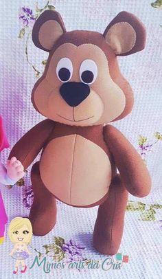 Masha e o urso em feltro com molde para imprimir Crochet Doll Pattern, Crochet Patterns Amigurumi, Felt Patterns, Stuffed Toys Patterns, Bear Felt, Masha And The Bear, Bear Party, Kokeshi Dolls, Sewing Toys