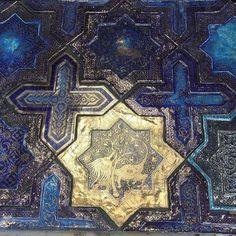 Showcasing the ethereal work of #handmade #tile #artisan @borisaldridge - on the Tileometry blog (link in profile). // #architecture #art #ceramics #design #decor #designhounds #homedecor #homeinterior #instaglam #instalove #instadecor #instatiles #interiors #ihavethisthingwithtiles #interiordesign #Islamicart #sacredgeometry #tileart #tilelove #tiled #tiledesign #tilework #tileometry #tileaddiction #tiles by tileometry