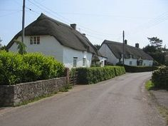 Middlezoy - Thatched Cottages © Paul Crosier