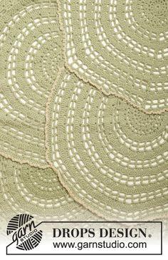 """Wheel Of Fortune - Crochet DROPS blanket in """"Lima"""". - Free pattern by DROPS Design"""