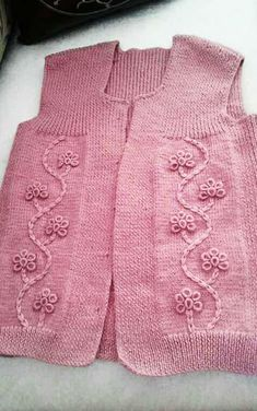 116 Grain Mesh Womens Vest Models All Beautiful From Each Other 7 # lady . Spool Knitting, Knitting Stiches, Easy Knitting Patterns, Baby Patterns, Crochet Baby Shoes, Crochet Clothes, Crochet Blouse, Knit Crochet, Vest Pattern