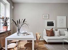 Minimal home with warm colors - via Coco Lapine Design blog