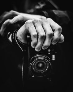 Black And White Photography, Class Ring, Rings For Men, Pictures, Black White Photography, Men Rings, Bw Photography