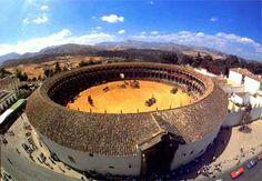 als beloning mochten Luis en Manuel samen met Pedro naar het arena gaan om stierengevecht te bekijken.