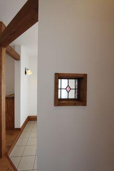 おしゃれなステンドが顔出す、楽しい空間。#ステンドグラス#雑貨#雑貨が似合う暮らし Glass Brick, Glass Door, Glass Art, Rose Window, Window Art, Glass Blocks Wall, Main Door Design, Glass Panels, Stained Glass