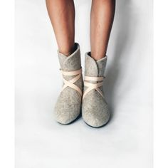 VALENKI BOOTS | GREY WITH LEATHER STRAPS  How cute are these!