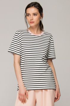 <p>Made from a soft cotton-blend fabric. Round neckline. All-over stripe print. Regular fit. About me:. 95% cotton, 5% spandex</p>