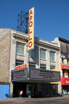 the apollo theater Rock Music History, Rock And Roll History, Black History, Harlem Nyc, New York Landmarks, Dave Brubeck, Apollo Theater, Duke Ellington, City That Never Sleeps