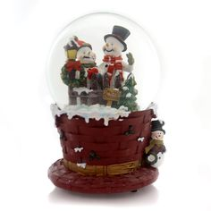 Christmas Musical Waterglobe Snow Globe / Water Globe Height: 5.75 Inches Material: Glass Type: Snow Globe / Water Globe Brand: Christmas Item Number: Christmas J3229 SNOWMEN Catalog ID: 29774 New Wit