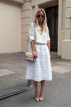 Интересные образы с юбками-миди