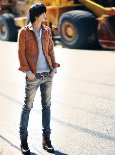 Korean Men Fashion Asian Men Fashion, Korean Fashion Summer, Korean Fashion Trends, Latest Mens Fashion, Korean Street Fashion, Mens Fashion Suits, Kpop Fashion, Fashion Shirts, Japanese Fashion Men