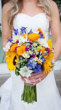 58 Jaw-Droppingly Beautiful Bouquets For Summer Wedding To O.- Bright wedding bouquet ideas , sunflower wedding bouquet perfect for summer wedding - Summer Wedding Bouquets, Bride Bouquets, Floral Wedding, Yellow Wedding, Boho Wedding, Wedding Themes, Wedding Decorations, Wedding Ideas, Sunflower Bouquets