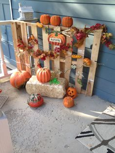 Stapled on leaf garland and small fall floral pics. Added hay bale, autumn sign and pumpkins and gourds. (Real or fake ) Secured to porch for fall storms with bungee cord. Easy and cheap! Adornos Halloween, Manualidades Halloween, Fall Yard Decor, Outside Decorations, Leaf Garland, Floral Garland, Thanksgiving Decorations, Fall Decorations, Thanksgiving Turkey