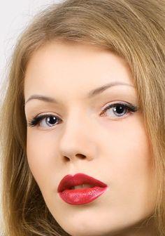 Imagini pentru machiaj de nunta simplu Hair Makeup, Make Up, Party Hairstyles, Makeup, Beauty Makeup, Bronzer Makeup