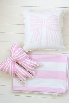 Pink Love Bow Single Quilt Cover | Suella