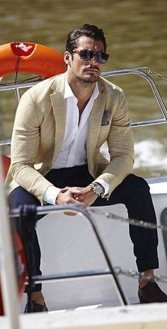 New Style Classy Men David Gandy Ideas David Gandy Style, David James Gandy, David Gandy Suit, Gq Mens Style, Gq Style, Older Mens Fashion, Mens Fashion Suits, Outfits Casual, Mode Outfits
