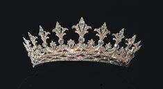 Alice of Hesse-Darmstadt's tiara was a gift from her mother, Queen Victoria of England. This is quite possibly the most perfect tiara/crown. Royal Crown Jewels, Royal Crowns, Royal Tiaras, Royal Jewelry, Tiaras And Crowns, Jewellery, Diamond Tiara, Circlet, Queen Victoria