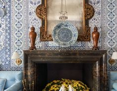 """For those of you who haven't seen @markdsikes 's """"Casa Fiorentina"""" room in this year's Kips Bay Decorator Show House, here it is in all of… Alcove Seating, Entryway Tables, Room, House, Furniture, Home Decor, Bedroom, Decoration Home, Room Decor"""