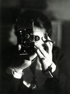 Autoportrait à l'Icarette. Germaine Krull