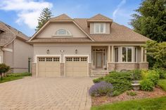 Real Estate agents in Oakville Ontario Oakville Ontario, Waterfront Property, Luxury Homes, Real Estate, Mansions, House Styles, Home Decor, Mansion Houses, Real Estates