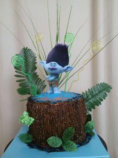 Trolls DreamWorks Birthday Cake
