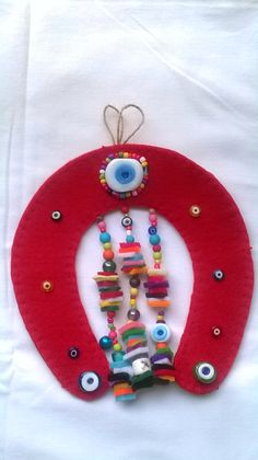 keçe nazarlık, felt Felt Crafts Diy, Felted Wool Crafts, Arts And Crafts, Paper Crafts, Craft Projects, Sewing Projects, Projects To Try, Mexican Home Decor, Art N Craft