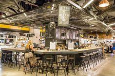 グラスワインとオイスターが気軽に楽しめるワインバー Cafe Restaurant, Restaurant Design, Food Court Design, Fresh Food Market, Ramen Bar, Catering Design, Space Interiors, Cafe Shop, Cafe Design