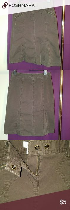 ANN TAYLOR LOFT SKIRT Great condition!! Size O, ANN TAYLOR LOFT, fall/winter skirt, in dark brown. Waist has some stretchy-ness.   Measurements are: Length 22& 1/2 inches Waist 31 inches ANN TAYLOR LOFT Skirts