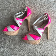 Guess Platform Pumps Guess Platform Pumps. Like new. 5 inch heel with 1 inch platform. Super comfy. Guess Shoes Heels