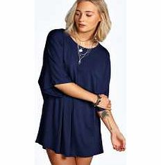 boohoo Oversized Batwing Shift Dress - ink azz18403 Upgrade your basics for the new season with this batwing sleeve shift dress , and shake up your staples with supersize shapes! We love how easy it is to wear - style with tights , ankle boots and a fa http://www.comparestoreprices.co.uk/dresses/boohoo-oversized-batwing-shift-dress--ink-azz18403.asp