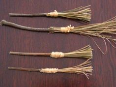 DIY Witch Costumes : Halloween Witches Broomstick Tutorial