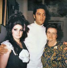 Elvis And Priscilla, Elvis Presley Photos, Lisa Marie, Country Girls, Memphis, Rock N Roll, Good Times, Love Story, Family Photos