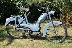 Peugeot Cyclomoteur BB (1957) - Peugeot – Wikipedia Peugeot Logo, Peugeot Bike, Bmw 520d, Bmw X3, Peugeot France, Vintage Moped, Used Cars, Cars For Sale, Mopeds