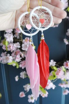 Mini Dream Catcher Heart Car Charm Girly Car Accessories Pink Red Black Unique Gifts For Girlfriend Under 20 - Cars Accessories - Ideas of Cars Accessories - Valentines Day Gift for Her: For Girlfriend For Wife Mini Dream Catcher For Car, Dream Catcher Decor, Dream Catchers, Unique Gifts For Girlfriend, Crochet Car, Girly Car, Car Accessories For Girls, Valentine's Day Diy, Mini