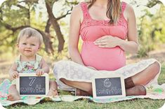 Ohhh Ashley!!! I like this too!!  Brody will be 28 weeks when I'm 28 months! (I think...)   Got to get me some chalkboards and do this! Very cute!