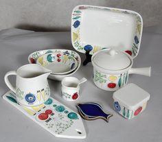 Rörstrand Sweden 'Picknick' pattern designed by Marianne Westman. Vintage Tableware, Vintage Dishes, Vintage Ceramic, Swedish Design, Scandinavian Design, Swedish Dishes, Keramik Design, Ceramic Studio, Mid Century Decor