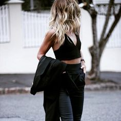 all black // LILI CLASPE