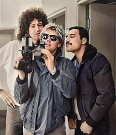 Queen Freddie Mercury, John Deacon, Queen Photos, Queen Pictures, Rock And Roll, The Rock, Queen Logo, Michael Jackson, God Save The Queen
