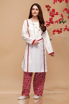 Mausummery Stitched Women Winter Dresses Designs Collection consists of embroidered stitched suits ready to wear shirts with trousers. Fancy Dress Design, Stylish Dress Designs, Dress Neck Designs, Designs For Dresses, Frock Design, Simple Pakistani Dresses, Pakistani Fashion Casual, Pakistani Dress Design, Pakistani Outfits