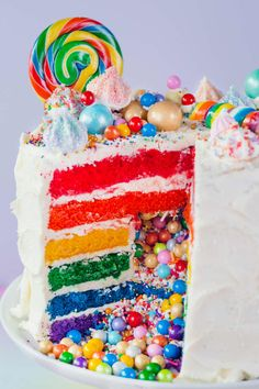 How To Make the Ultimate Rainbow Surprise Cake - How To Make a Rainbow Layer Cake with a Candy Surprise Inside Food Cakes, Candy Cakes, Cupcake Cakes, Bolo Pinata, Piniata Cake, Rainbow Layer Cakes, Cake Rainbow, Rainbow Stuff, Surprise Inside Cake
