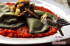 I Ravioli alle cime di rapa e besciamelle di funghi sono un salutare piatto colorato e gustoso ma soprattutto salutare. Scopri la ricetta e rimarrai colpito