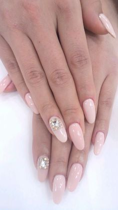baby pink nails love the shape of the nails. Fabulous Nails, Perfect Nails, Gorgeous Nails, Pretty Nails, French Nails Glitter, Fancy Nails, Pedicures, Manicure And Pedicure, Hair And Nails