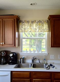 How to on how to make a Quick and Easy Window Valance