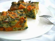 A simple, healthy sweet potato and broccoli frittata packed with protein. Paleo, grain free and dairy free, the perfect quick breakfast, lunch or dinner.