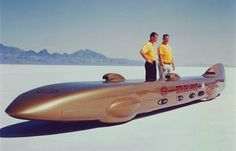 At Bonneville Salt Flats in Utah in September 1963, Breedlove became the first driver to exceed 400 mph (640 km/h), when he set the record at 407.447 miles per hour (655.722 km/h). He was also the first driver to reach 500 mph (800 km/h), and 600 mph (970 km/h),