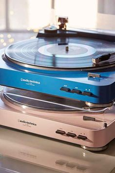 Audio-Technica and Urban Outfitters have teamed up to offer the turntable in 2 exclusive colors: audio room vinyl records Vinyl Record Player, Record Players, Vinyl Records, Record Player Urban Outfitters, Home Music, Uo Home, Audio Room, Vintage Records, Vinyl Music