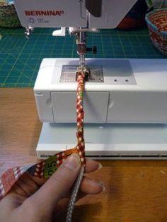 Idea per realizzare dei manici rivestendo un cordoncino